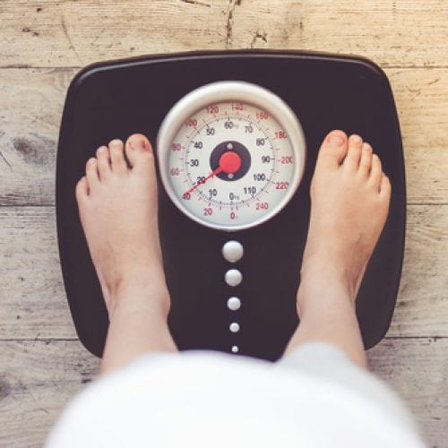 Een hogere inname van melkvet is mogelijk gerelateerd aan minder overgewicht en obesitas bij kinderen