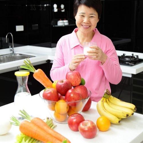 从乳制品中获取额外的蛋白质增加老年人体重